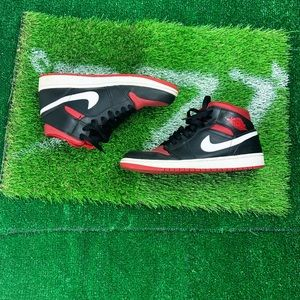 Jordan 1 Mid 'Black Gym Red'